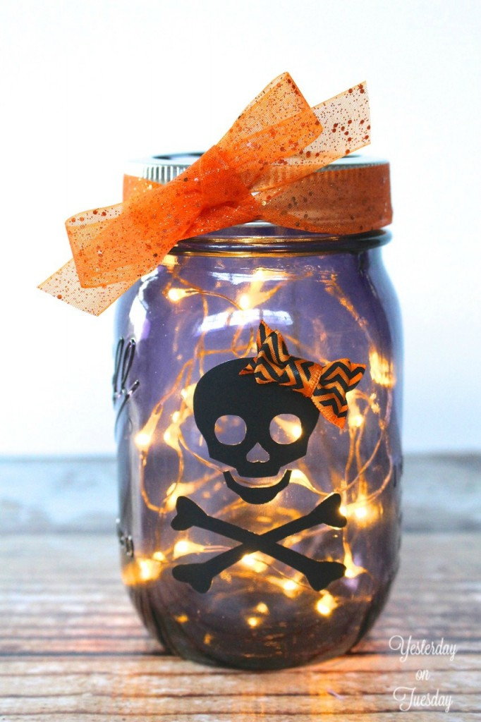 Lighted Halloween Mason Jar