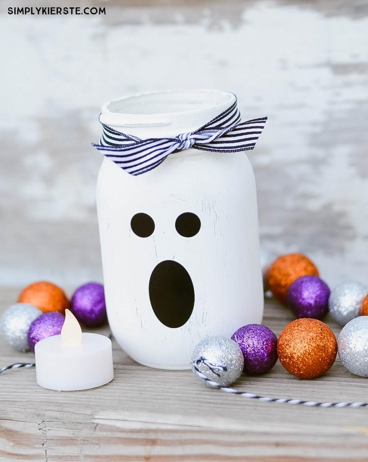 Mason Jar Ghost Lantern