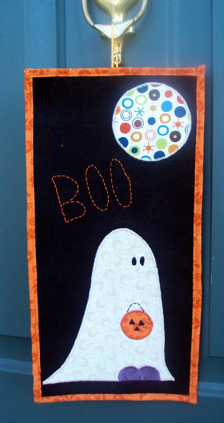 Say Boo! Wall Hanging