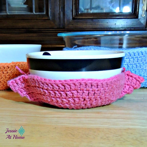 One Hour Crochet Bowl Cozy