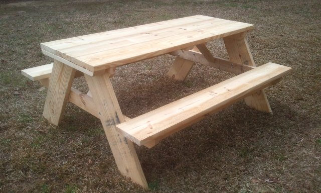 The 6 Foot Picnic Table