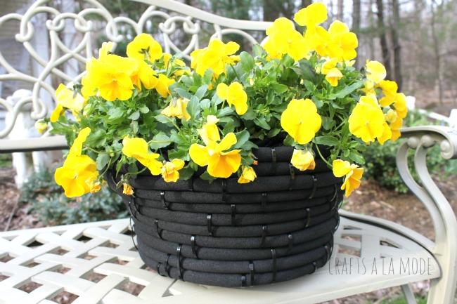 Turn an Old Garden Hose Into a Flower Pot