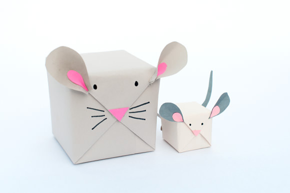 Holiday Mouse Gift Wrap