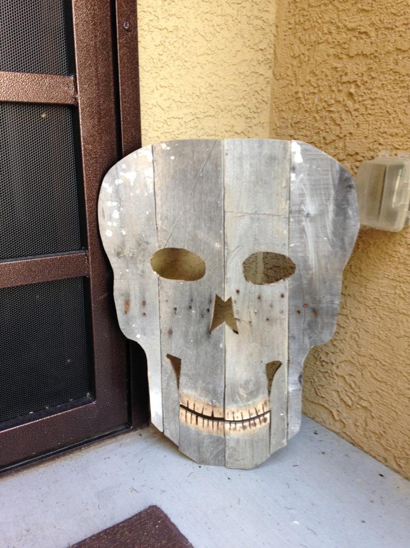 pallet skull