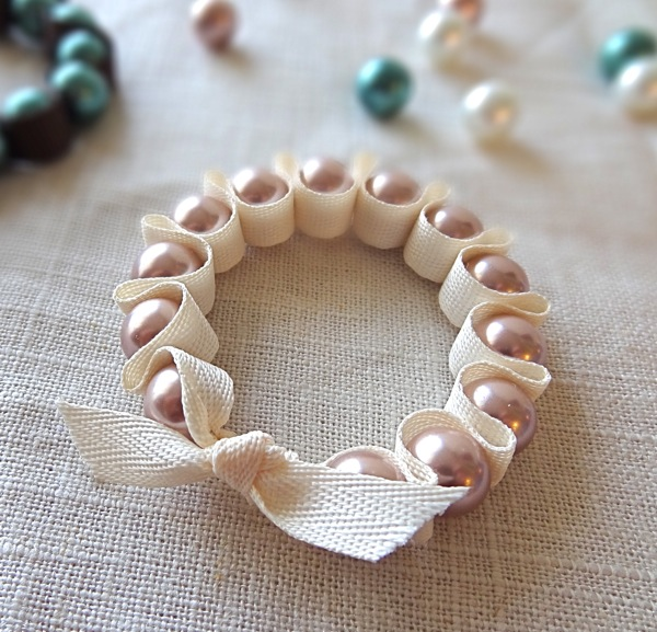 Ribbon and Pearl Stretch Bracelet