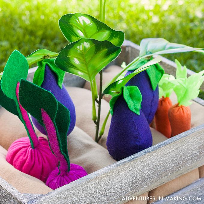 Plantable Felt Vegetable Garden